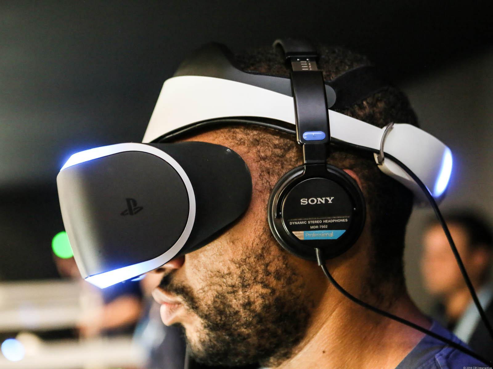 Especialistas apontam o alto preço da tecnologia e a falta de conteúdo como os principais desafios para o VR.